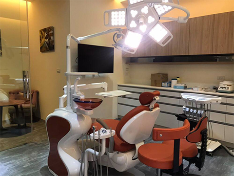 Dental /New trends of surgical hanging lamps in dental clinics